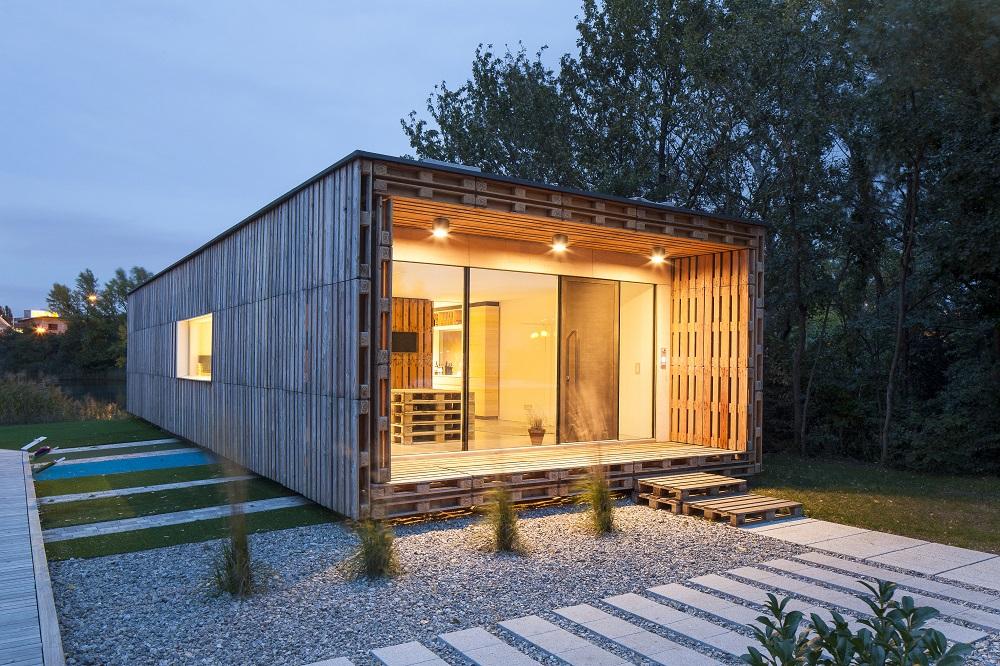 dom vyroben z odpadov ch paliet stavebn ctvo a b vanie. Black Bedroom Furniture Sets. Home Design Ideas