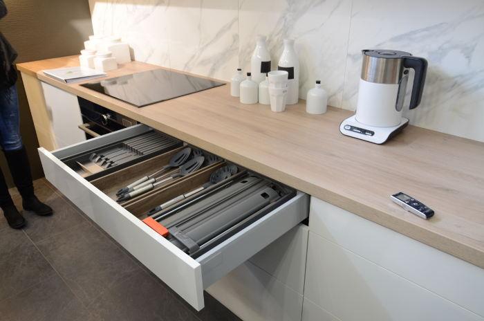 db2fb4f29b6ee V rámci línie Family pribudli aj štyri nové modely kuchynských liniek.  Ostatné modely sa budú ďalej predávať s novým vylepšeným úložným systémom a  dielovými ...