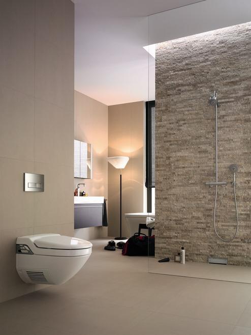 ak trend vl dne sprchov m k tom odtok v stene stavebn ctvo a b vanie. Black Bedroom Furniture Sets. Home Design Ideas